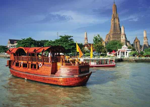 Die Anantara Song auf dem Chao Phraya in Bangkok vor dem Wat Arun, gehen Sie mit uns an Bord und genießen Sie die Schönheit Thailands vom Wasser aus auf einer Kreuzfahrt