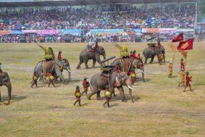 Nachstellung der historischen Geschichte Thailands mit Hilfe der Elefanten von Surin