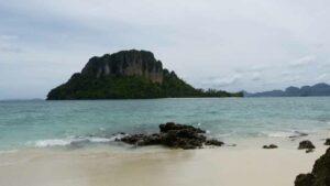 Blick auf Koh Poda, eine der vielen Inseln bei Krabi