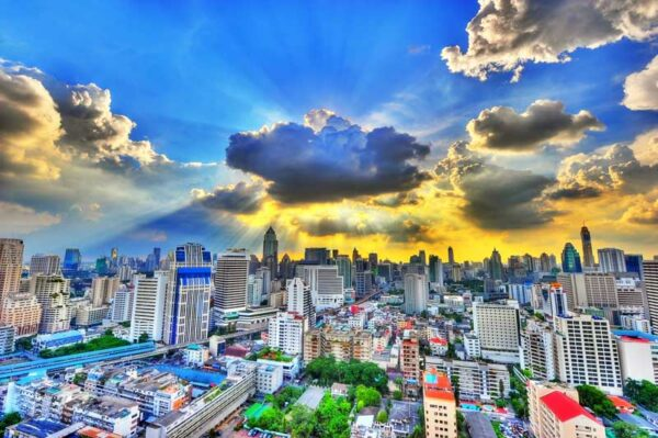 Bangkoks Skyline nahe Asok