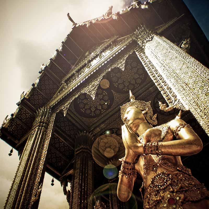 Der Königspalast in Bangkok ist ein beliebtes Ausflugsziel von vielen Bangkok Urlaubern