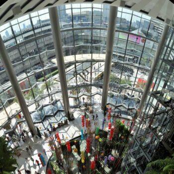 Das Innenleben der Siam Paragon Mall in Bangkok, Thailand