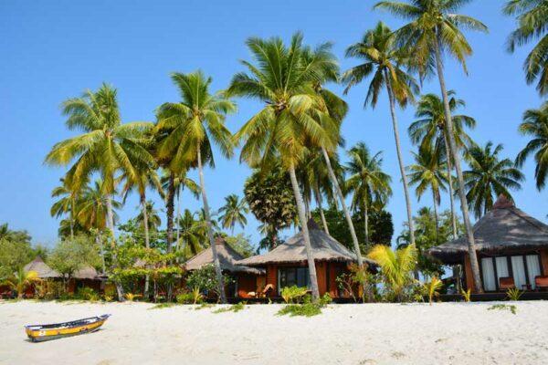 Das Sivalai Beach Resort auf der Insel Koh Mook. Eines Ihrer Hotels bei einer Inselhopping Tour von uns.