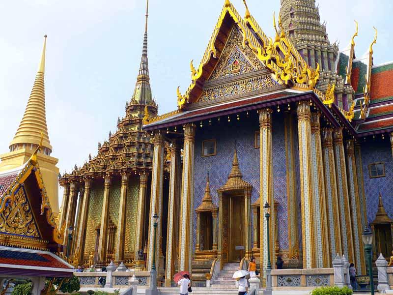 Der Tempel des Smaragd Buddha in Bangkok und der Königspalast