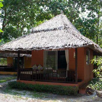 Ein Bungalow des Phayam Cottage auf Koh Phayam