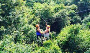 Zip Lining in Krabi ist ein ganz besonderer Spaß und biete etwas Abwechslung zum Inselhopping