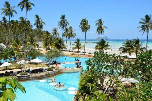 Phi Phi Island village Inselhopping Thailand