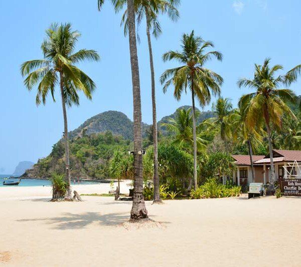 Der Farand Beach auf Koh Mook beim Charlie Beach Resort