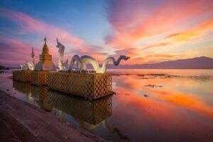 Chiang Mai Rundreise Phayao See Sonnenuntergang