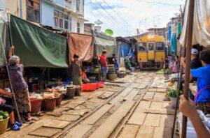 Trainmarket Samut Songkram kanchanaburi rundreise