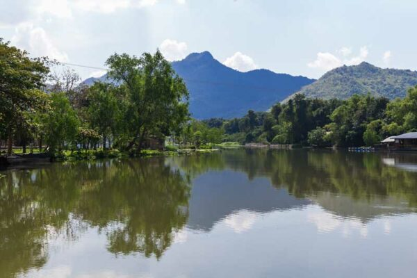 Das Dream Park Resort mit der traumhaften Landschaft der Region Kanchanaburi.