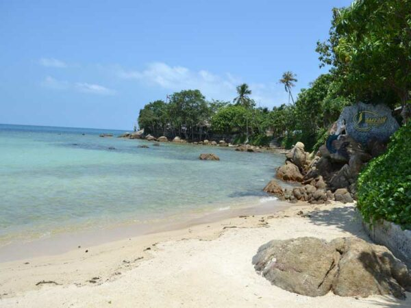 Der Strand des Haadson Resorts auf Koh Phangan, ein Ort zum träumen wartet auf Sie.