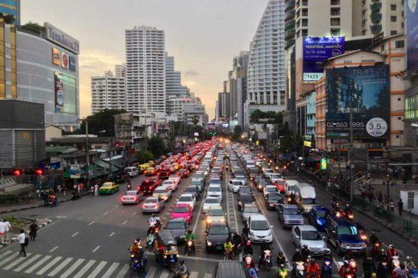 Kreuzung Sukhumvit Road und Asok road