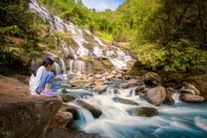 Der Mae Ya Wasserfall im Doi Inthanon Nationalpark