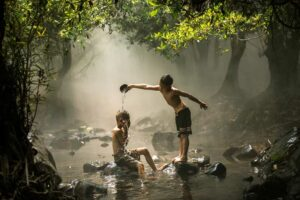 spielende Jungs in Nongkhai
