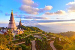 Die Noppha Methanidon und die Noppha Phon Phum Siri Stupa im Doi Inthanon Nationalpark