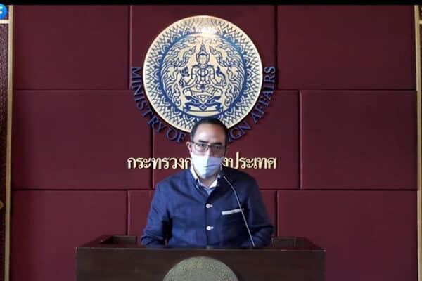 Sprecher des thailändischen Außenministerium vor der Presse.