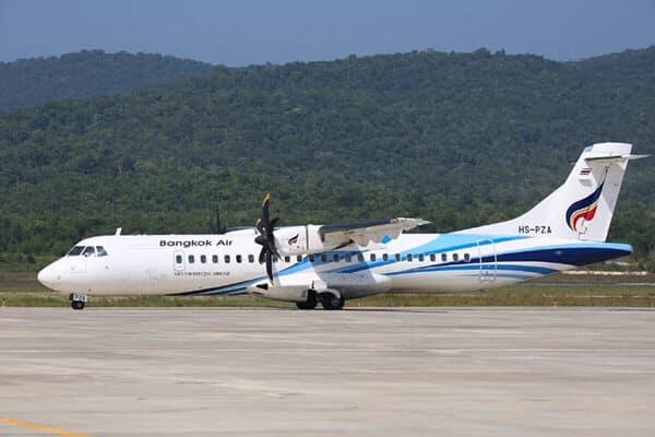 Flugzeug der Bangkok Airways auf dem Flughafen von Koh Samui