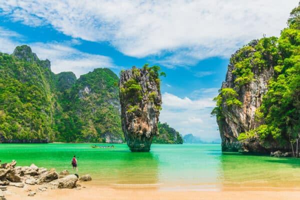 Der berühmte James Bond Felsen in der Phang Nga Bucht.
