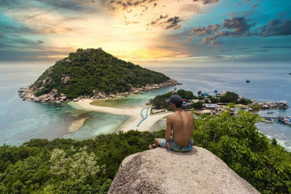 Blick vom Koh Tao Viewpoint im August 2021