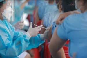 Eine der Impfstationen in Thailand, wo die Bevölkerung geimpft wird.
